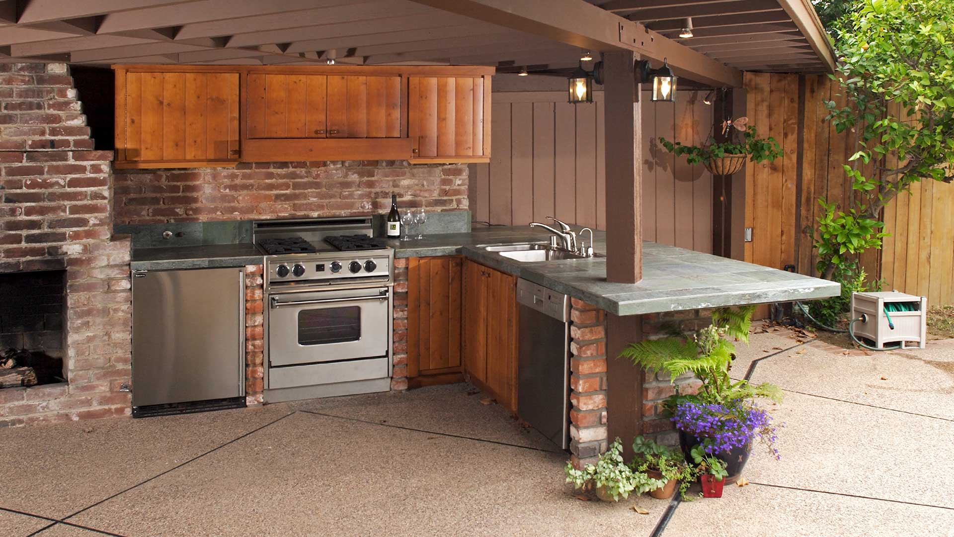 Professionally and expertly installed outdoor kitchen.