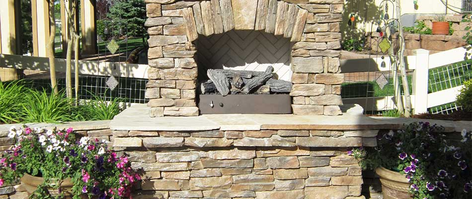 Outdoor Fireplaces vs. Fire Pits